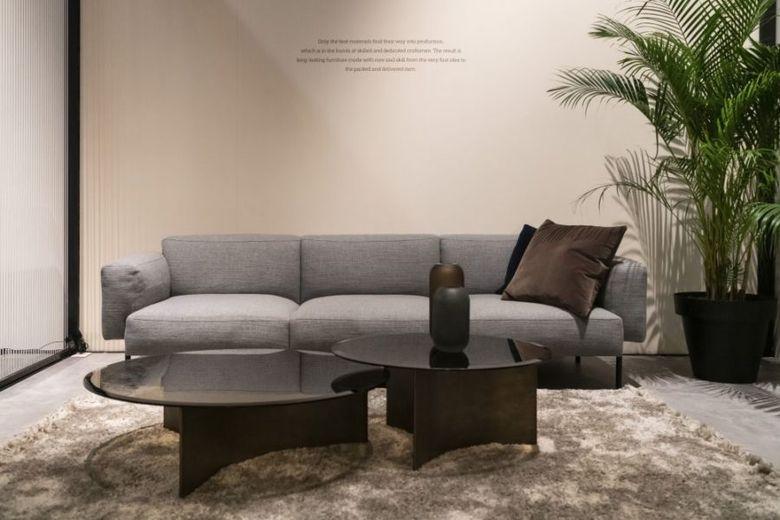 диван и столики