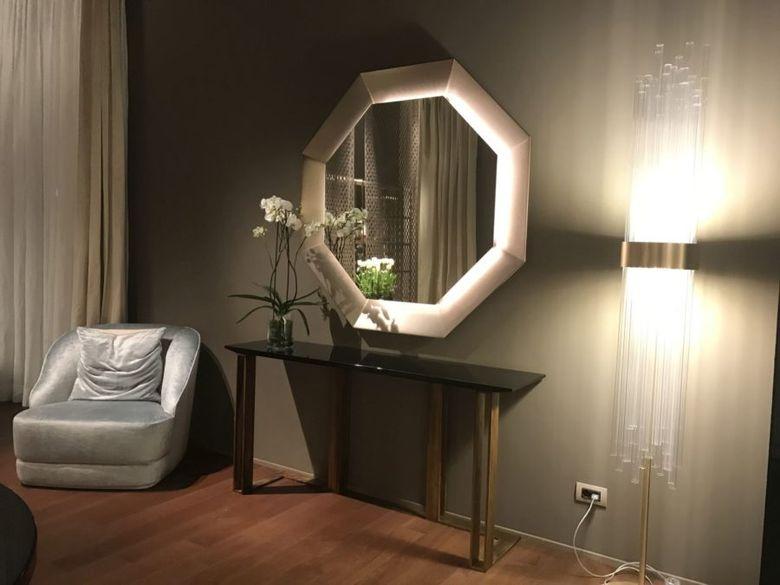 зеркало кресло свет