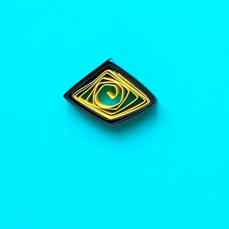 геометрическая форма из бумаги
