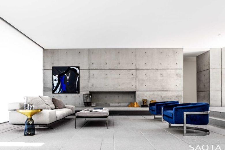 Голый бетон и синий бархат