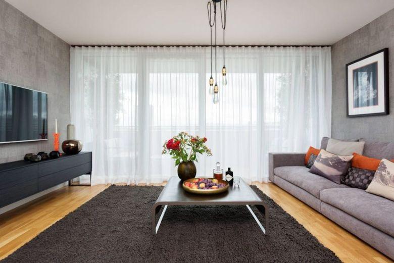 бетонные стены и прозрачные шторы