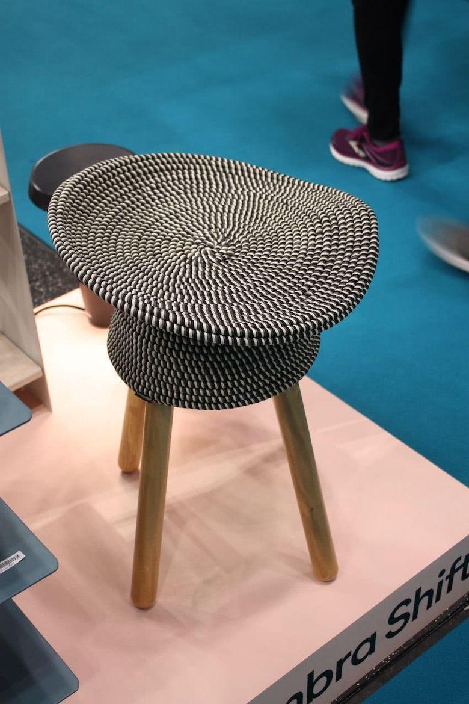 стул с сиденьем из нитей