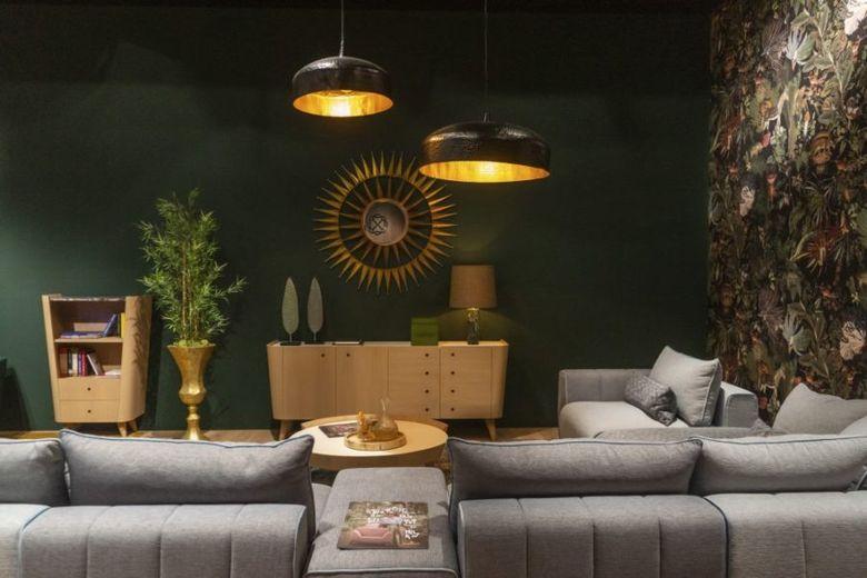 гостиная с зелеными стенами