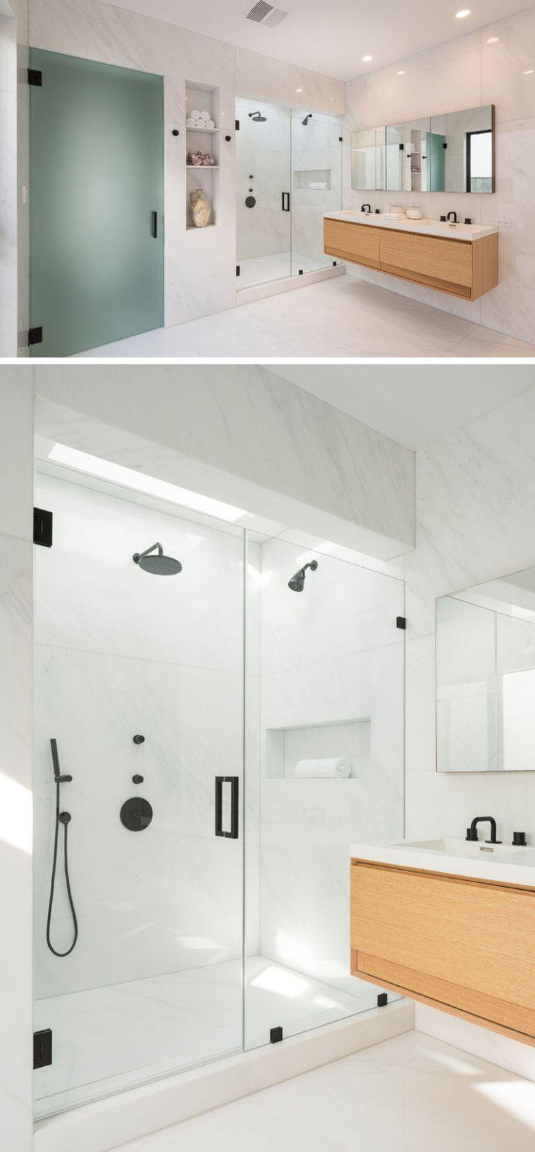 Интерьер ванной с черными кранами