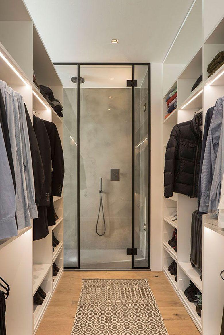 вход в душ в гардеробной