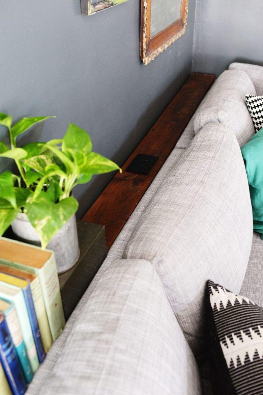 Консольный столик с розеткой