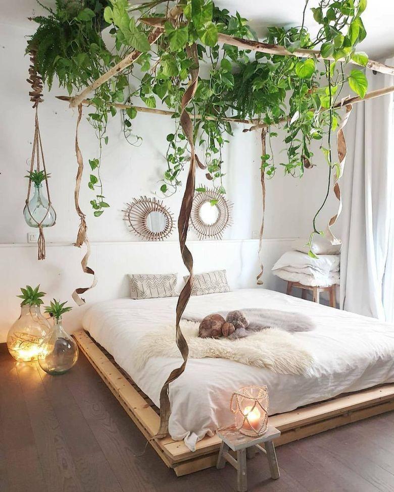 Кровать своими руками с живыми растениями