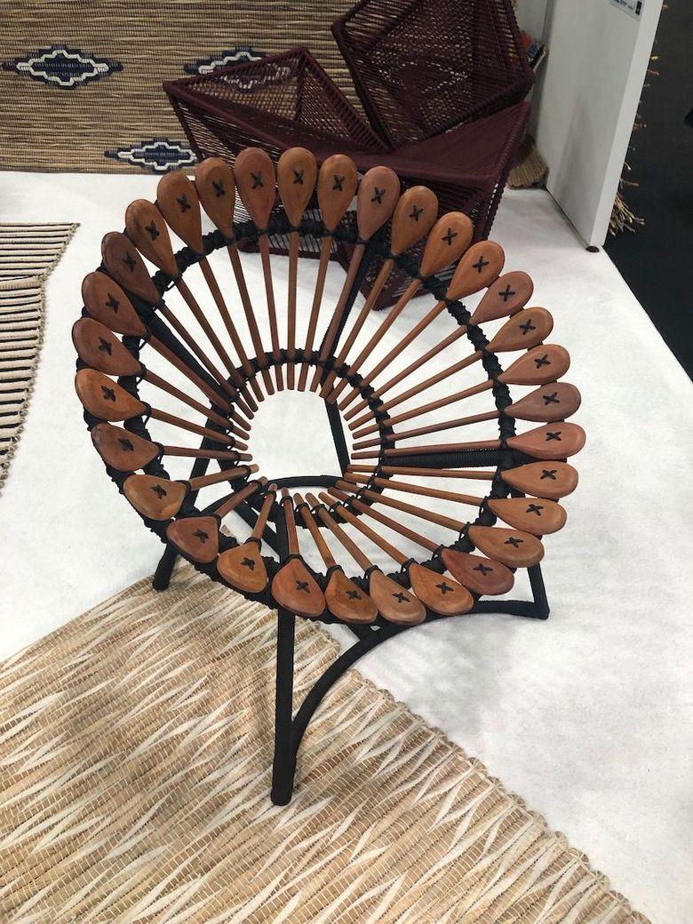 кресло из ложек