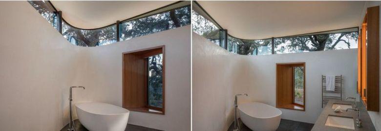 Окно в ванной по верху стены