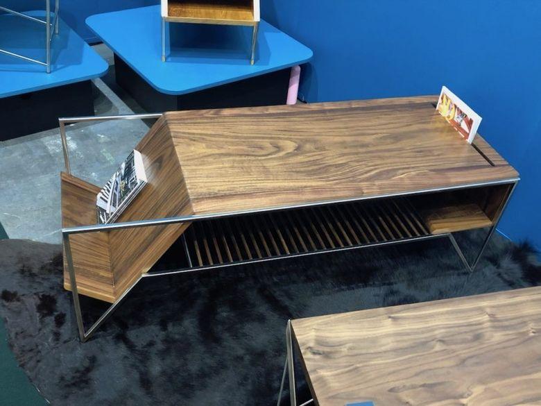 столик для книголюбов