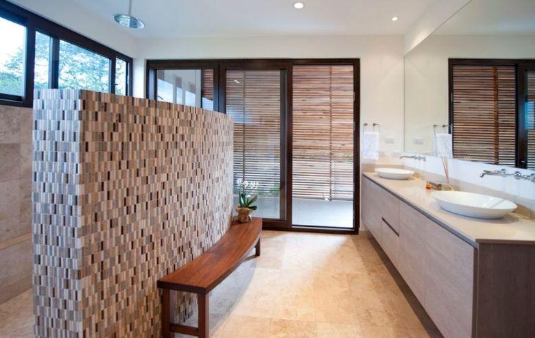 Скамейка в ванную изогнутая