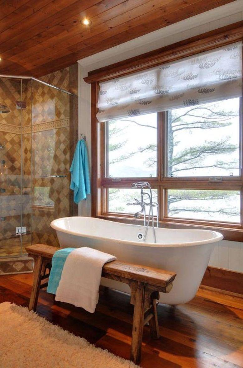 Скамейка в ванную простая деревянная