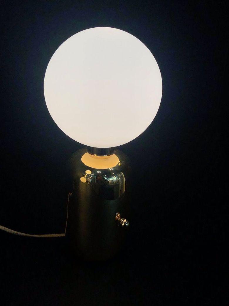 Светильники шары драматизм и простота