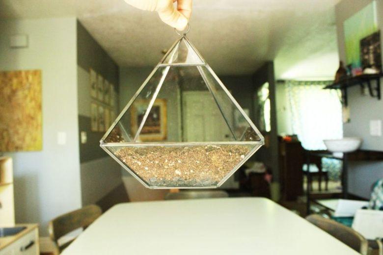 почва ниже отверстия