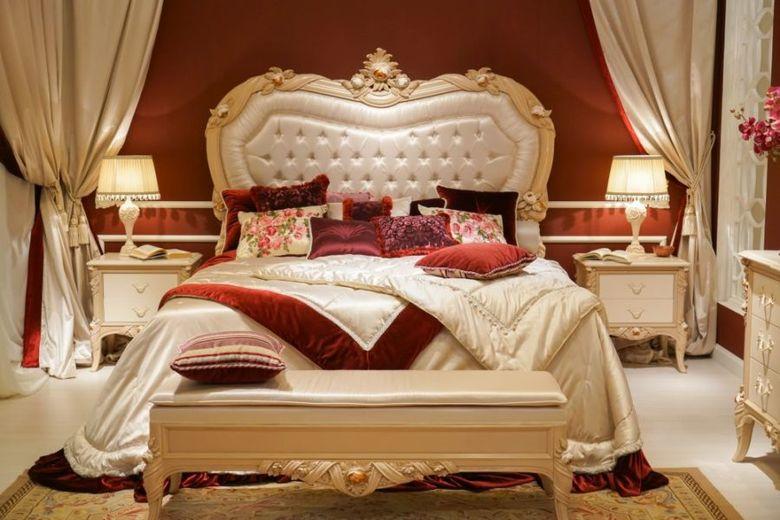 темно красные акценты в спальне