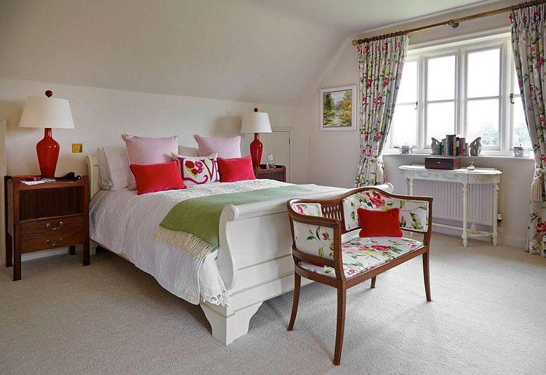 Белая кровать-санки
