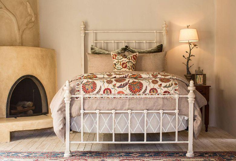 кровать из кованого железа