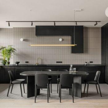 Бежевая плитка на стене кухни