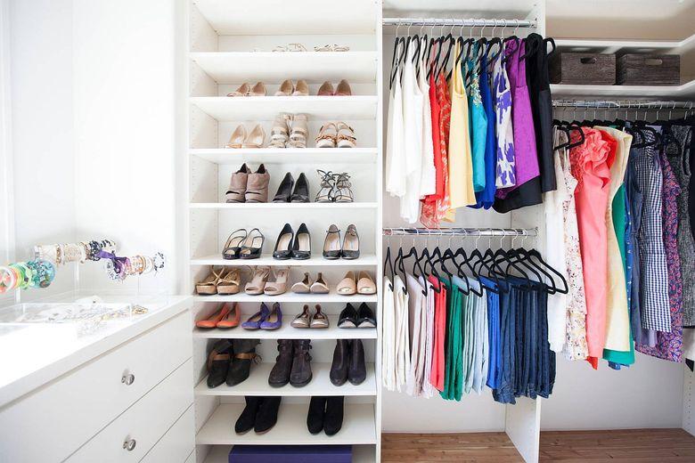 обширный шкаф