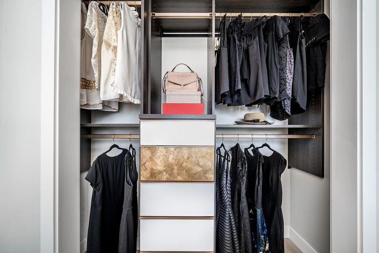 Простой и небольшой шкаф