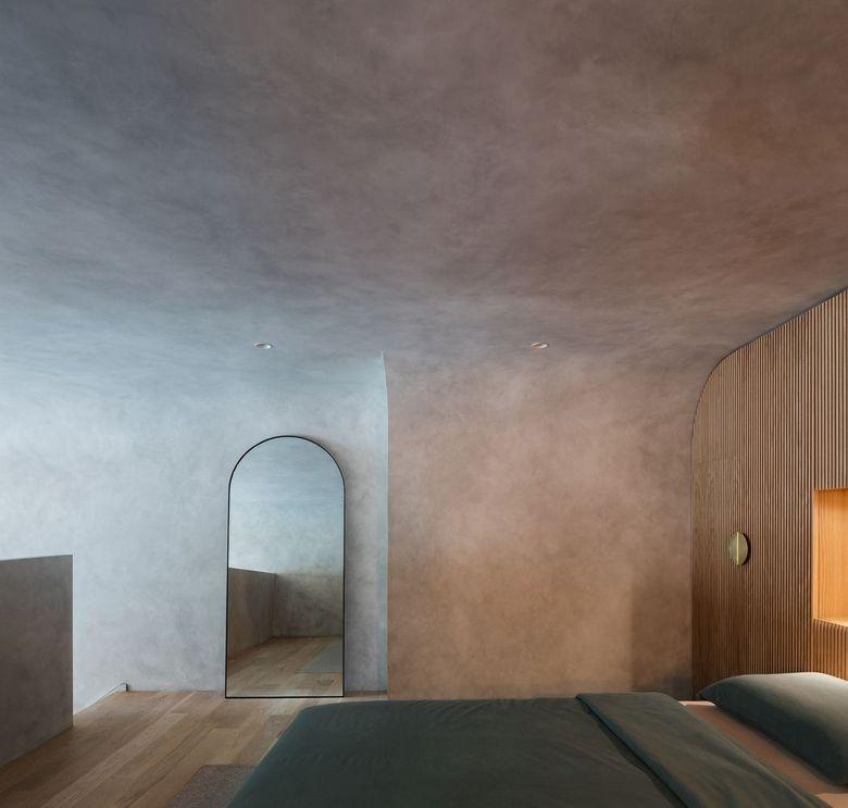 плавный переход между стеной и потолком.