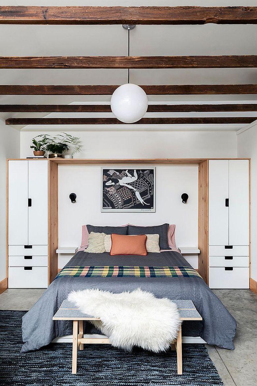 белый с деревом шкаф для спальни