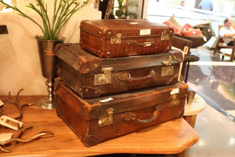 Винтажные вещи чемодан