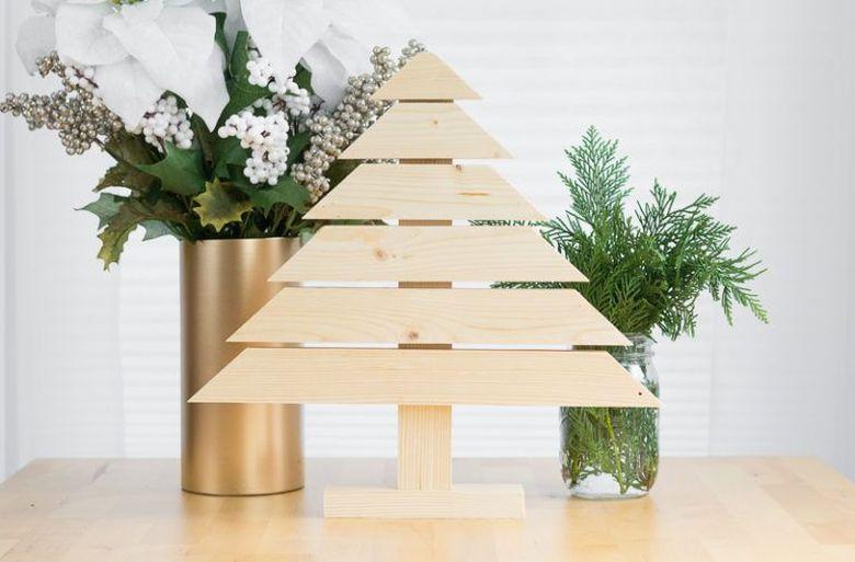 Деревянная новогодняя елка