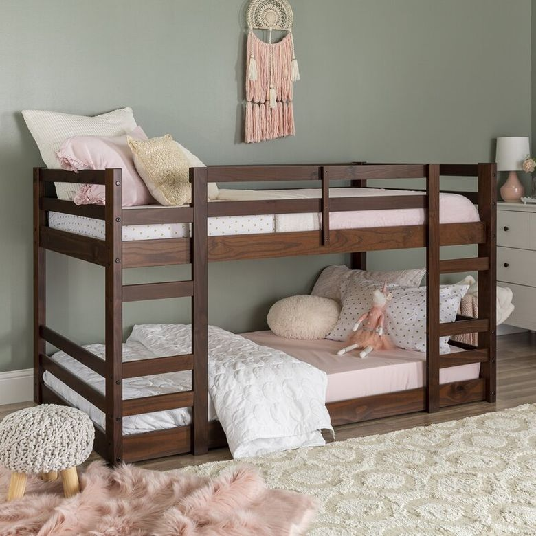 Двухъярусная кровать фото пара встроенных лестниц