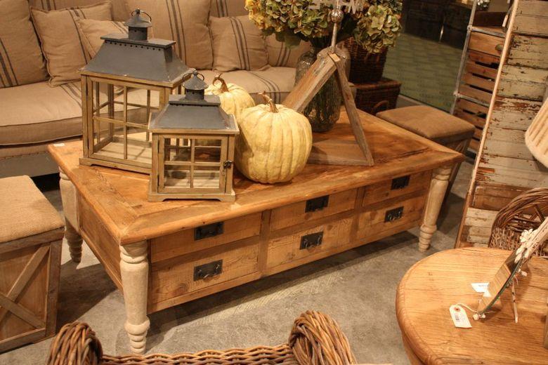 Мебель в деревенском стиле