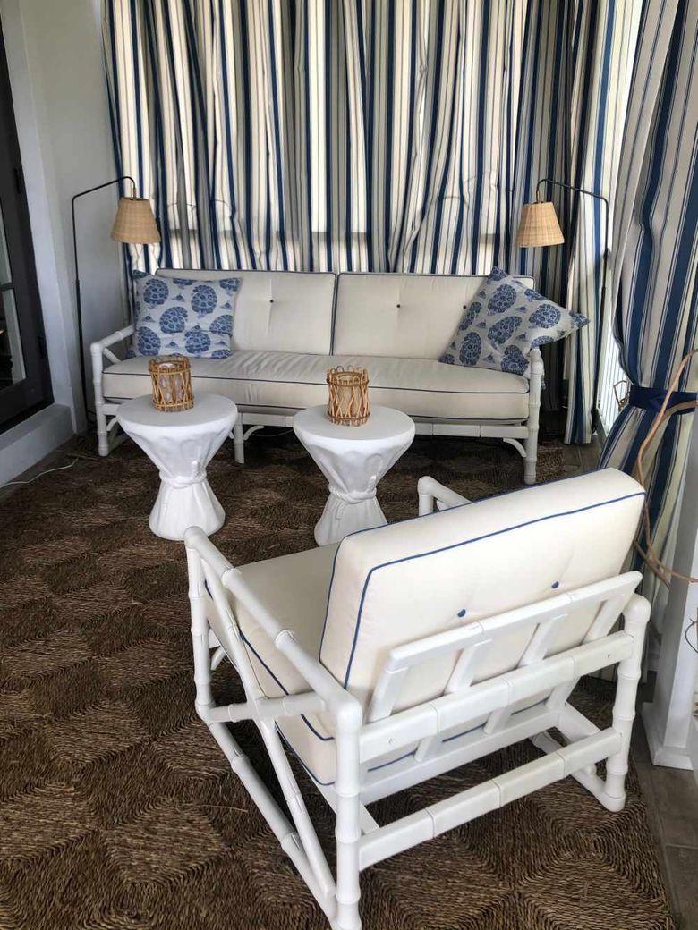 Мебель в прибрежном стиле