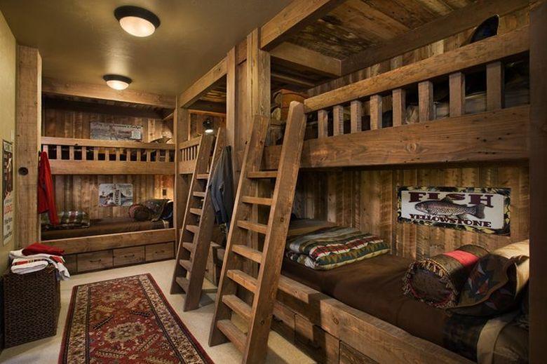 Двухъярусная кровать фото четыре и более в комнате