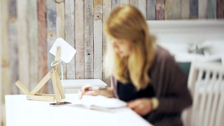 Красивые и минималистичные настольные лампы