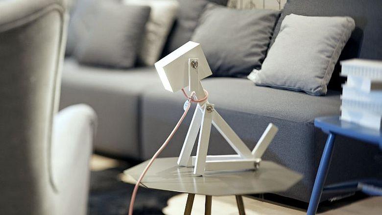 Красивые настольные лампы поводок и отделку можно настроить
