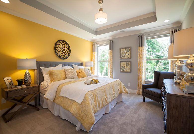 Цвета для спальни желтый и серый