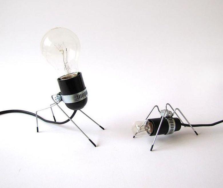 Красивые настольные лампы позволяет гармонировать с разными стилями