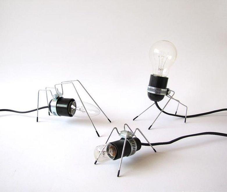 Красивые настольные лампы Bug Light