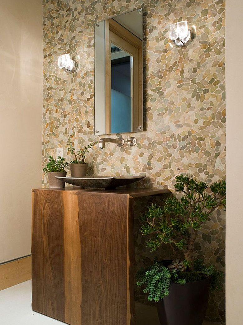 Туалетная комната немного зелени в помещении