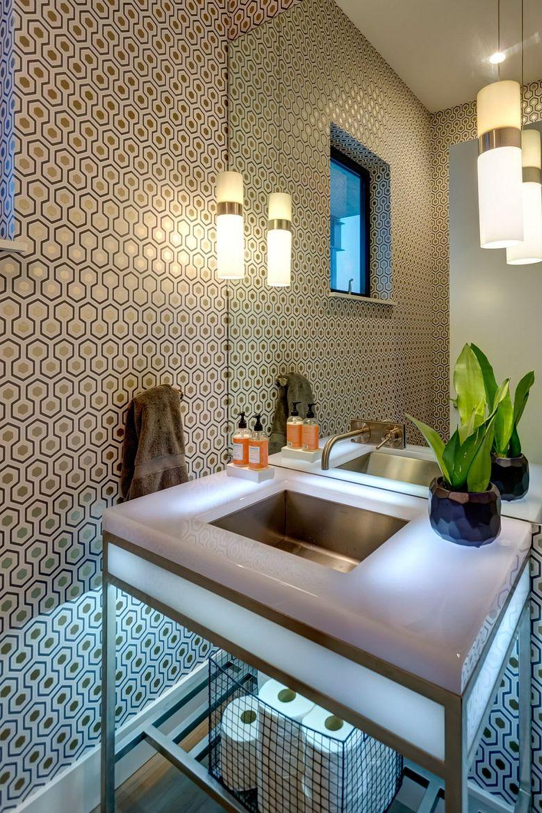 Туалетная комната обои с культовым рисунком