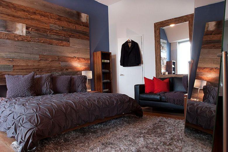 Акцентная стена в спальне из трех видов древесины