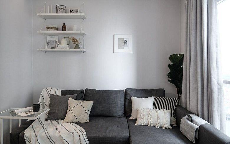 Дизайн маленькой квартиры секция серого цвета
