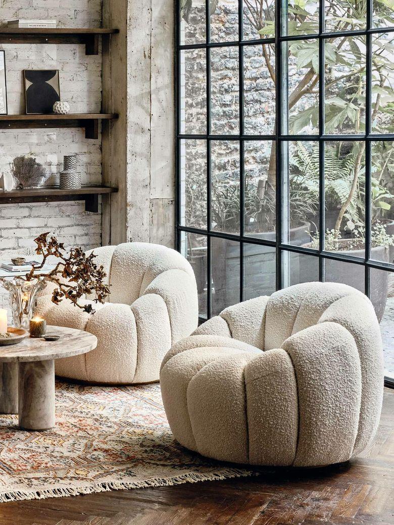 Кресла для гостиной в домашнем стиле