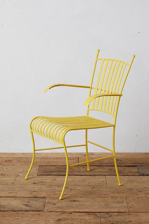 Кресла для гостиной из голой стали