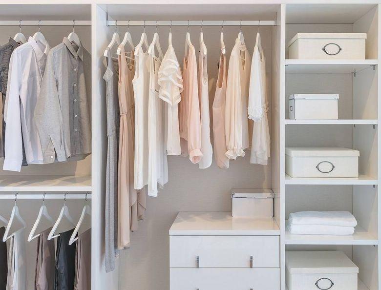 Идеи для спальни вешалка для одежды