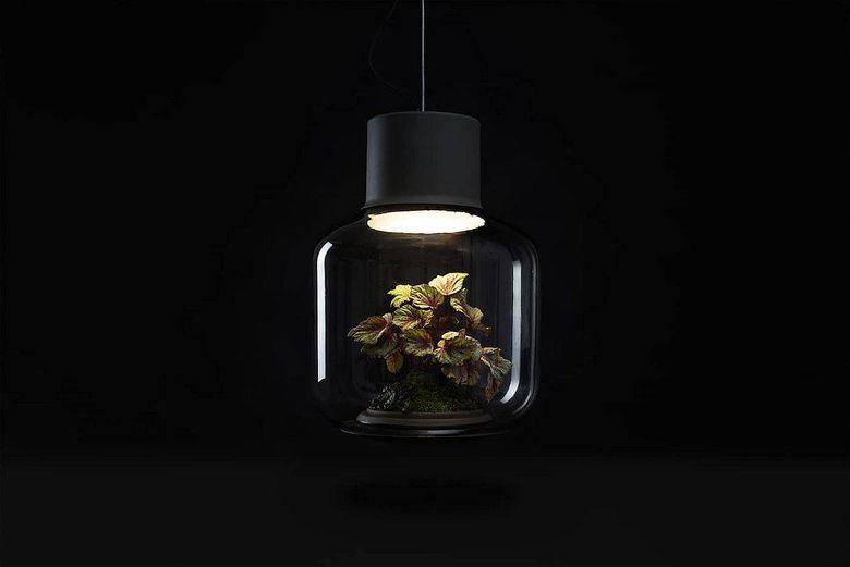 Светильник цветок герметично закрывается
