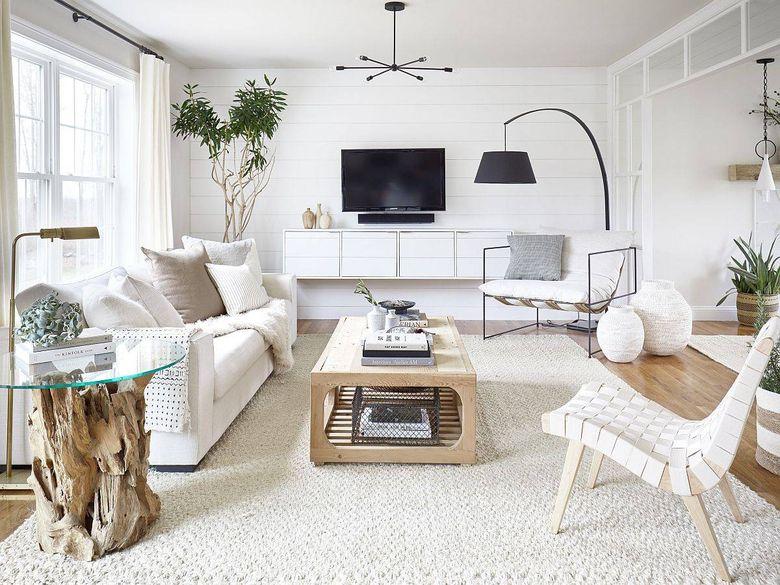Цвет стен в гостиной в белом цвете и дереве