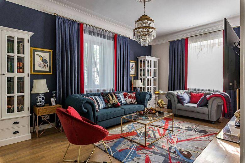 Цвет стен в гостиной синие пятна с красными акцентами